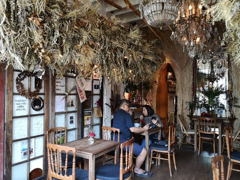 floralcafebkk170109 Bangkok-Floral Cafe at Napasorn曼谷花市旁滿滿花香古物的咖啡館