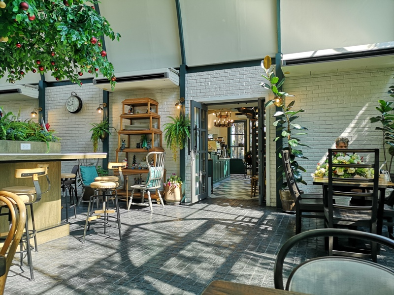 laff2812 Bangkok-曼谷LAFF Cafe室內花園 如溫室般的舒適美好