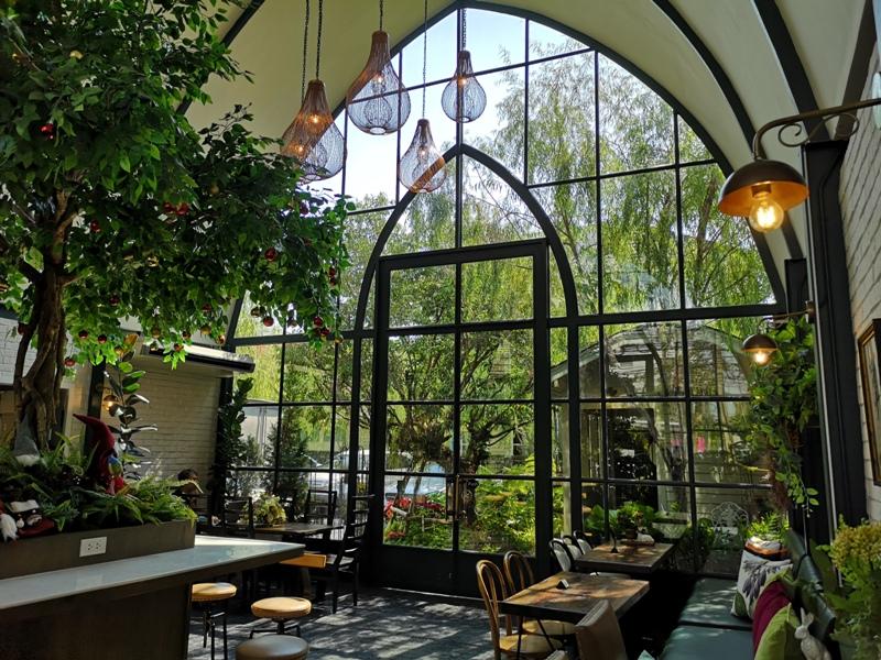 laff2814 Bangkok-曼谷LAFF Cafe室內花園 如溫室般的舒適美好