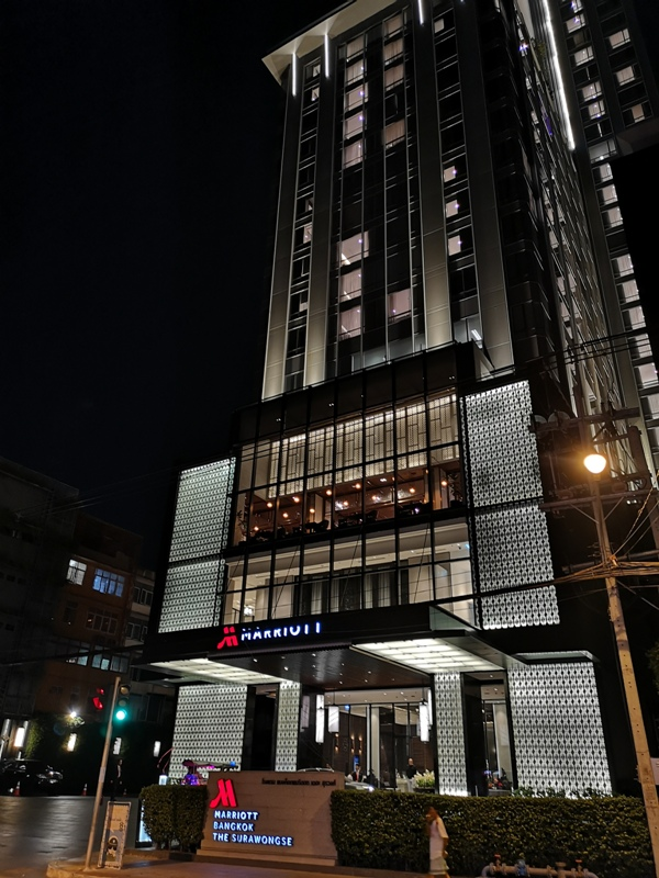 surawongse2 Bangkok-曼谷Marriott Hotel The Surawongse太超值...完美住宿大套房網美游池