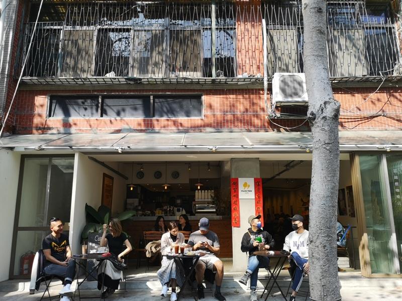 fujintree35302 松山-富錦樹353咖啡 開放式空間 把街廓納入咖啡館 空氣陽光與街景