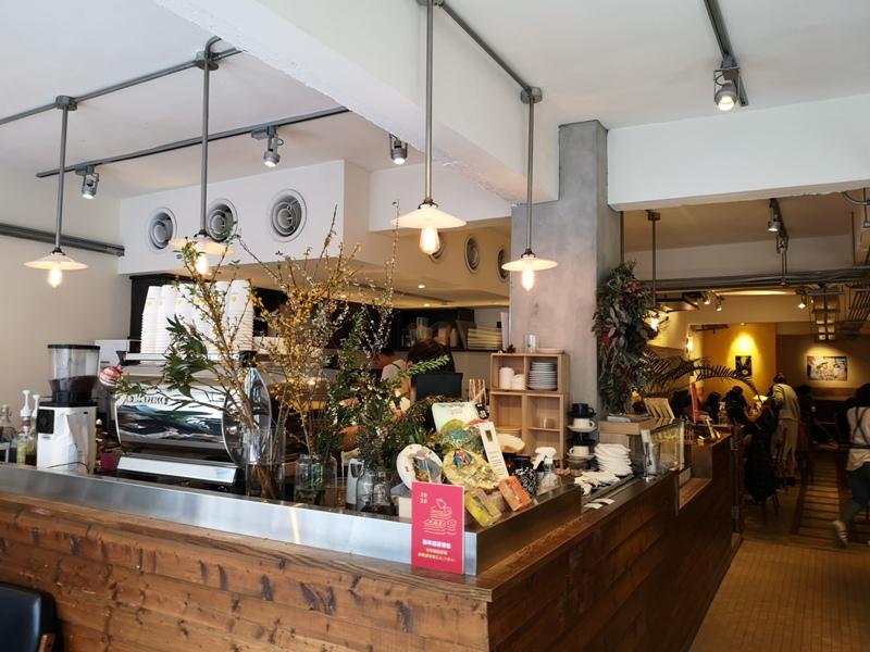 fujintree35307 松山-富錦樹353咖啡 開放式空間 把街廓納入咖啡館 空氣陽光與街景