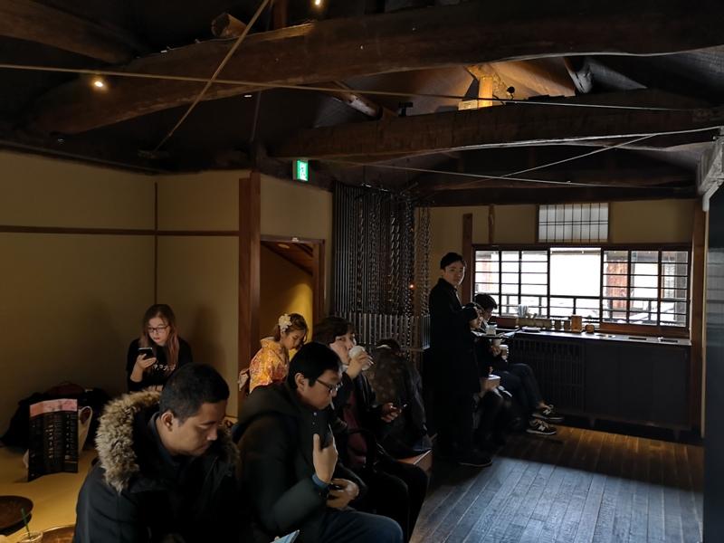 starbuckskyoto07109 Kyoto-星巴克 京都二寧坂ヤサカ茶屋店 滿滿日式京町風格 全球唯一榻榻米設計但搶不到