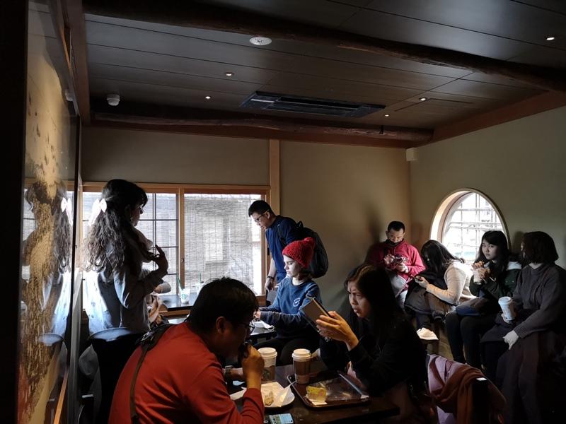 starbuckskyoto07112 Kyoto-星巴克 京都二寧坂ヤサカ茶屋店 滿滿日式京町風格 全球唯一榻榻米設計但搶不到
