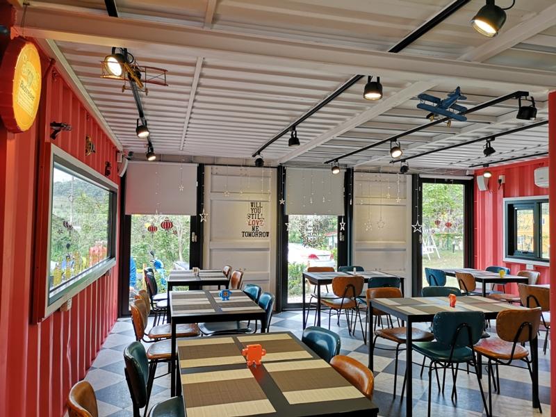 rainbowcoffee10 峨眉-89咖啡 美麗蜿蜒台三線旁的一抹彩虹貨櫃屋