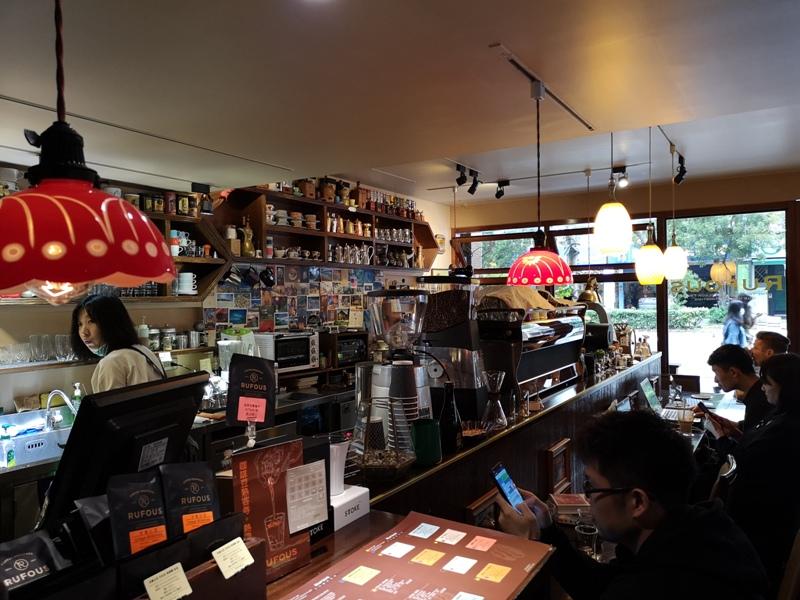 rufouscoffee08 大安-Rufous Coffee Roasters帶著神秘感有點老派的知名咖啡館