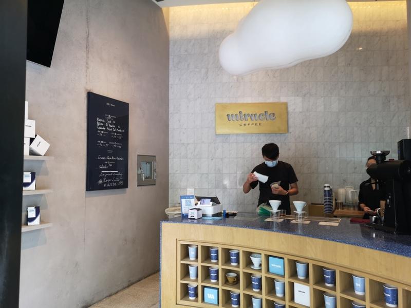 miraclecoffee06 內湖-Miracle Coffee捧場JJ林俊傑的小咖啡館 空間雖小氣氛不減 連拿鐵都好喝