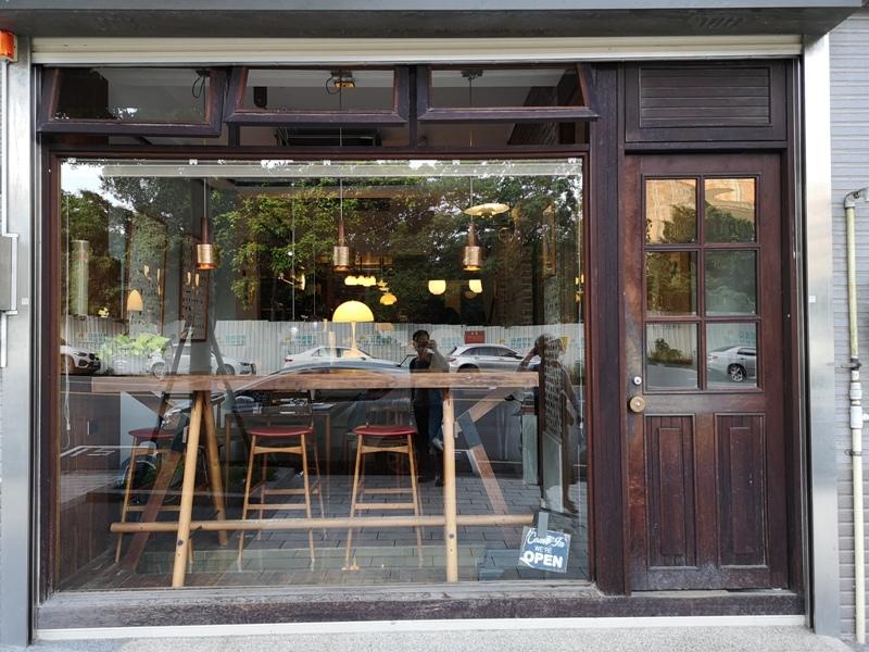 klassic01 新竹-舊是經典Absolut Klassik享受咖啡感受經典家具的溫暖空間