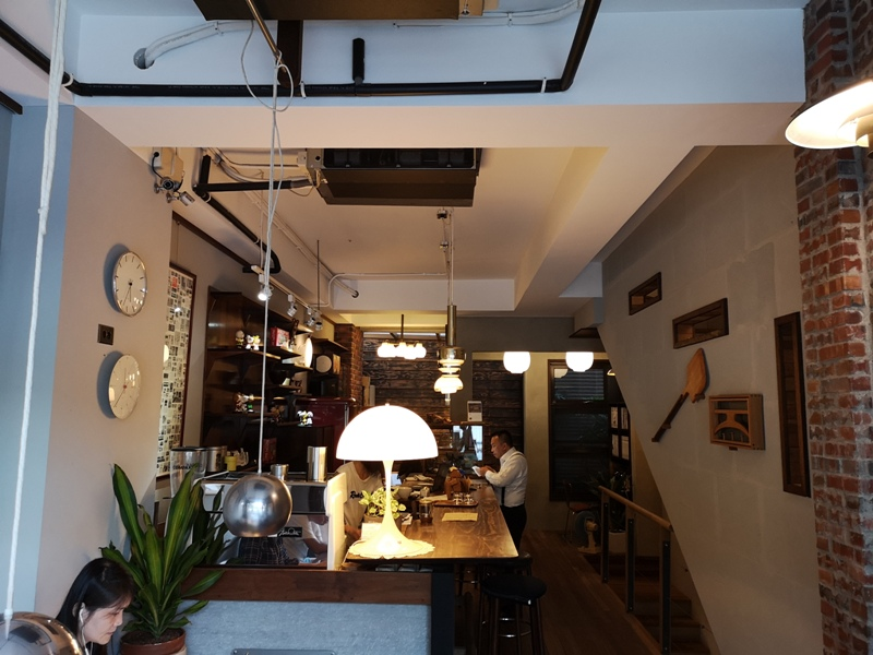 klassic10 新竹-舊是經典Absolut Klassik享受咖啡感受經典家具的溫暖空間