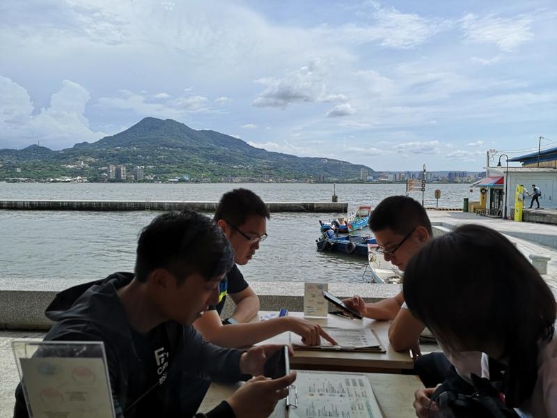 asahi10 淡水-朝日夫婦 淡水河畔 眺望觀音山美景的一碗沖繩冰品...涼爽