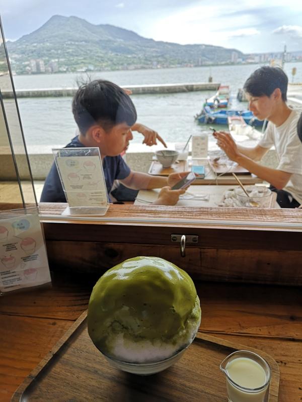 asahi16 淡水-朝日夫婦 淡水河畔 眺望觀音山美景的一碗沖繩冰品...涼爽