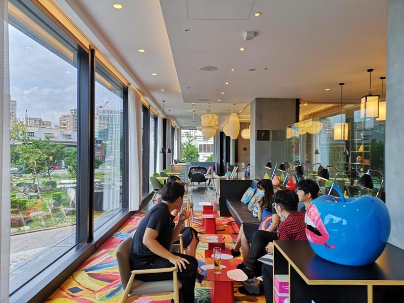 citizenMtaipei15 中正-台北北門CitizenM酒店 時尚摩登多彩又純白