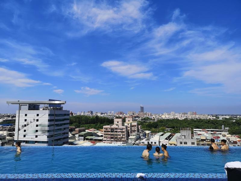 hotelday34 嘉義-桃城茶樣子 最美的飯店 最狼狽的泳池照