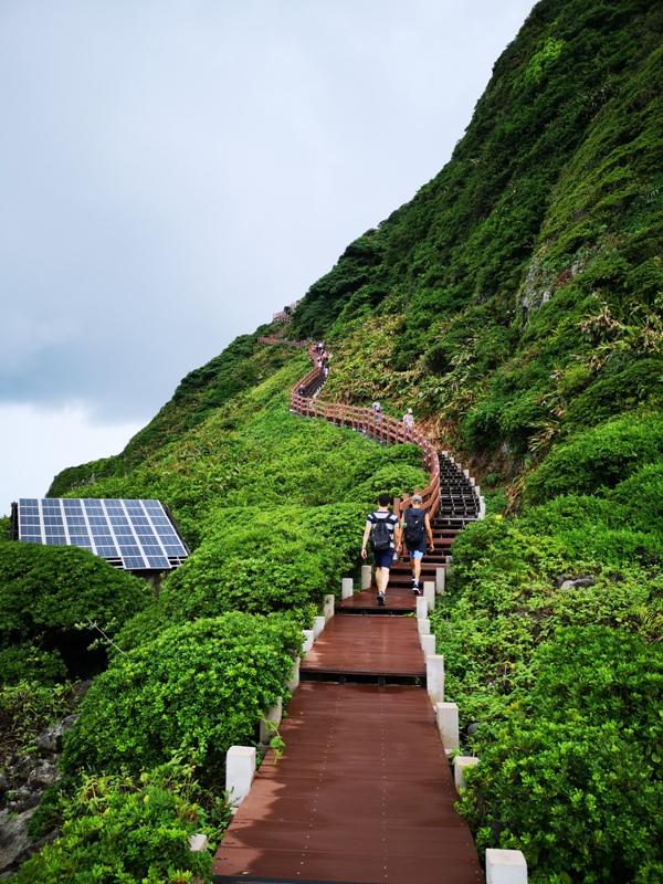 keelungisle17 基隆-首登基隆嶼 攀上最高峰 基隆外海孤獨的存在