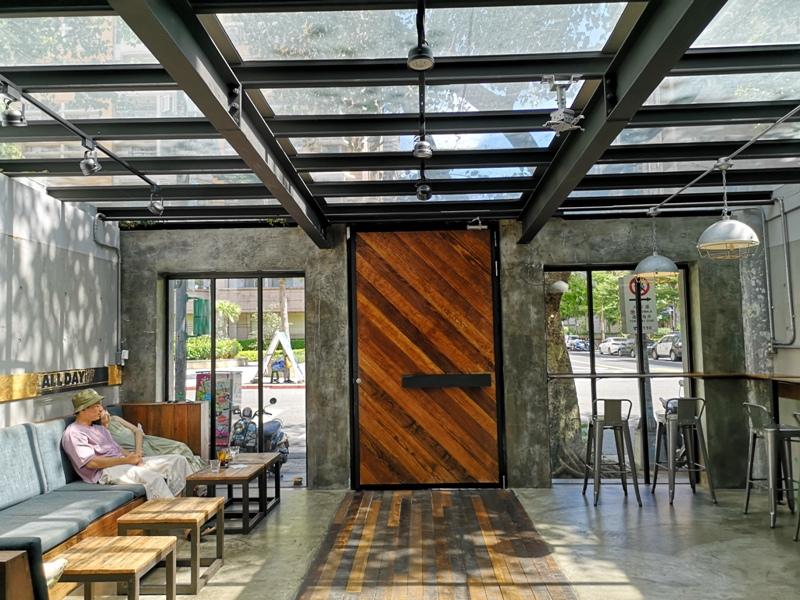 allday03 松山-All Day Roasting Company帶著工業風的咖啡名店 坐落民生社區好清幽