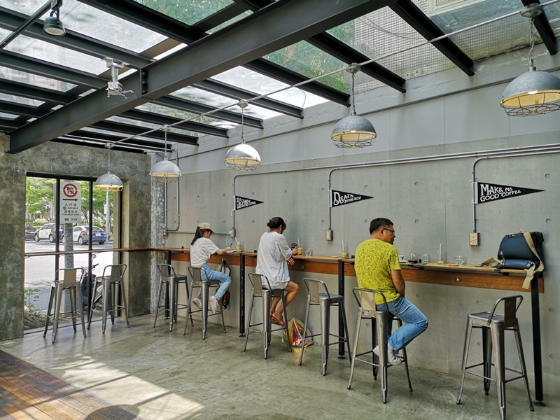 allday04 松山-All Day Roasting Company帶著工業風的咖啡名店 坐落民生社區好清幽