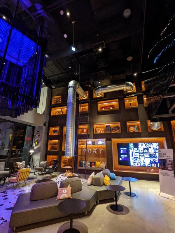 moxytaichung08 南屯-Moxy台中 萬豪潮飯店又一間 簡約IKEA風大廳宛如遊戲間