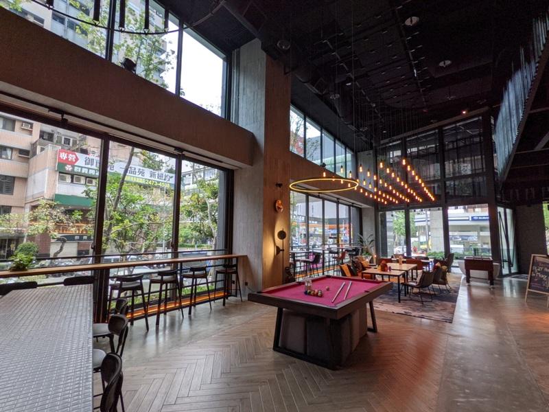 moxytaichung27 南屯-Moxy台中 萬豪潮飯店又一間 簡約IKEA風大廳宛如遊戲間