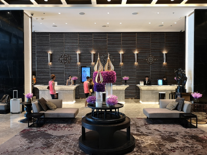 surawongselobby02 Bangkok-曼谷Marriott Hotel The Surawongse太超值...完美住宿大套房網美游池