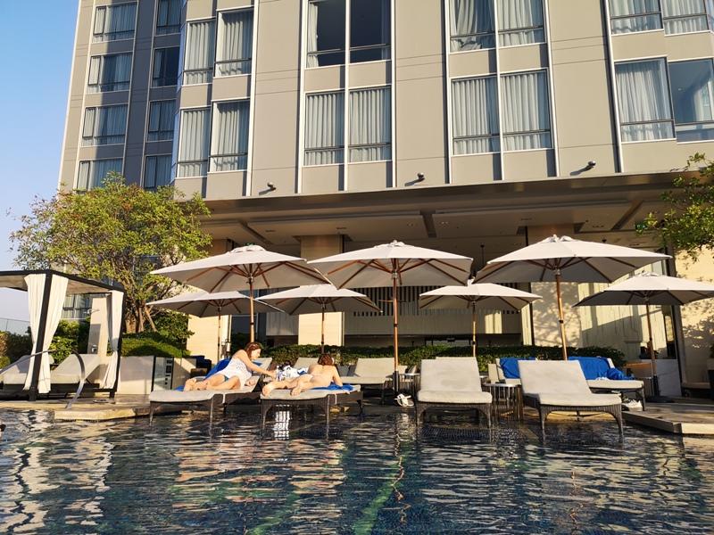 surawongsepool0110 Bangkok-曼谷Marriott Hotel The Surawongse太超值...完美住宿大套房網美游池