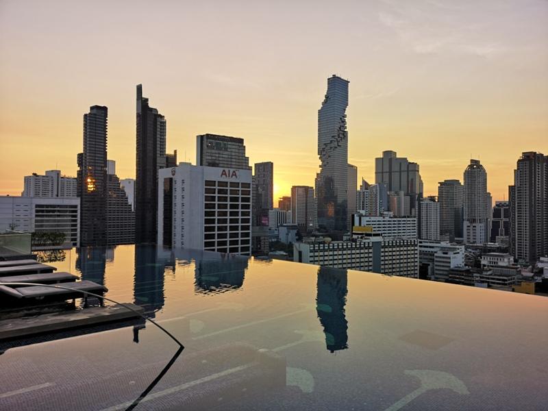 surawongsepool0111 Bangkok-曼谷Marriott Hotel The Surawongse太超值...完美住宿大套房網美游池
