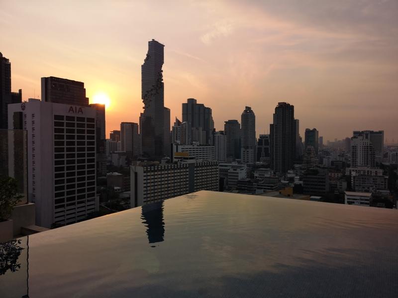 surawongsepool0118 Bangkok-曼谷Marriott Hotel The Surawongse太超值...完美住宿大套房網美游池