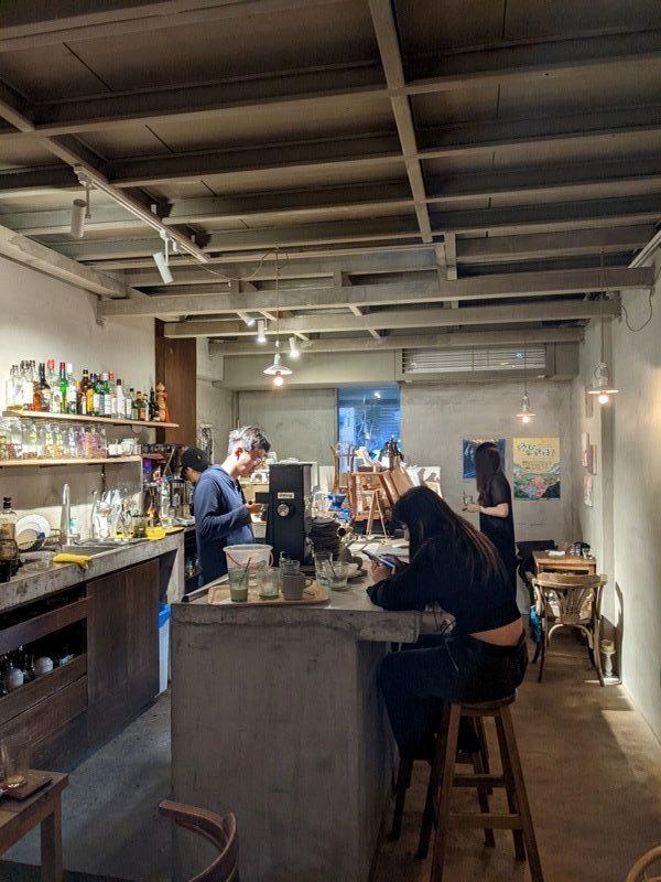 congrats16107-rotated-e1603507728500 大安-Congrats Cafe酒 咖啡 沉穩內斂的老宅 在台北家具街