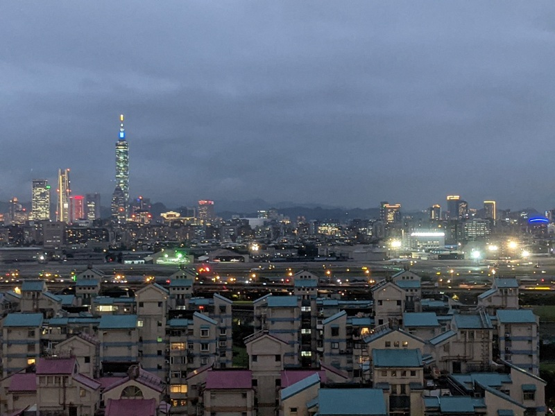 marriotttaipei5131 中山-台北萬豪 眺望松山機場與101 不夠大器的五星酒店