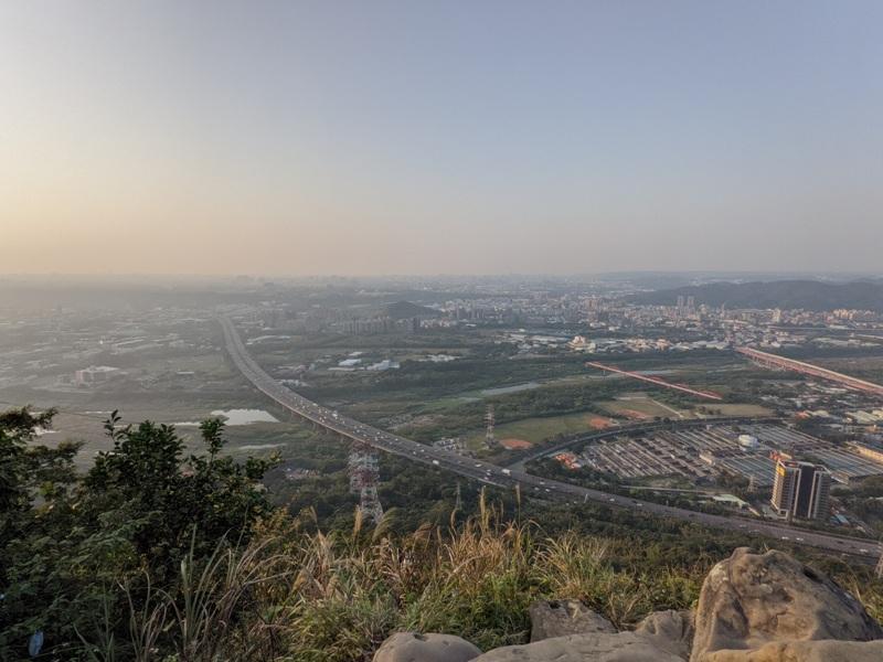 yuanmountain10 三峽-鳶山 登高望遠 擁抱最寬闊的二高景致