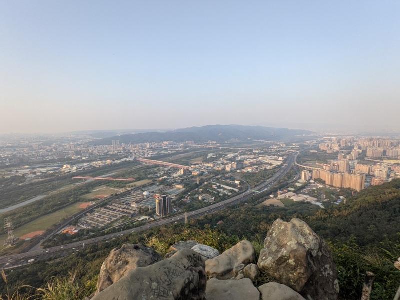 yuanmountain11 三峽-鳶山 登高望遠 擁抱最寬闊的二高景致