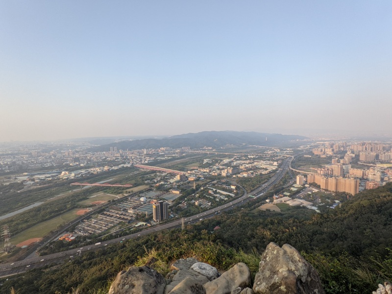 yuanmountain15 三峽-鳶山 登高望遠 擁抱最寬闊的二高景致