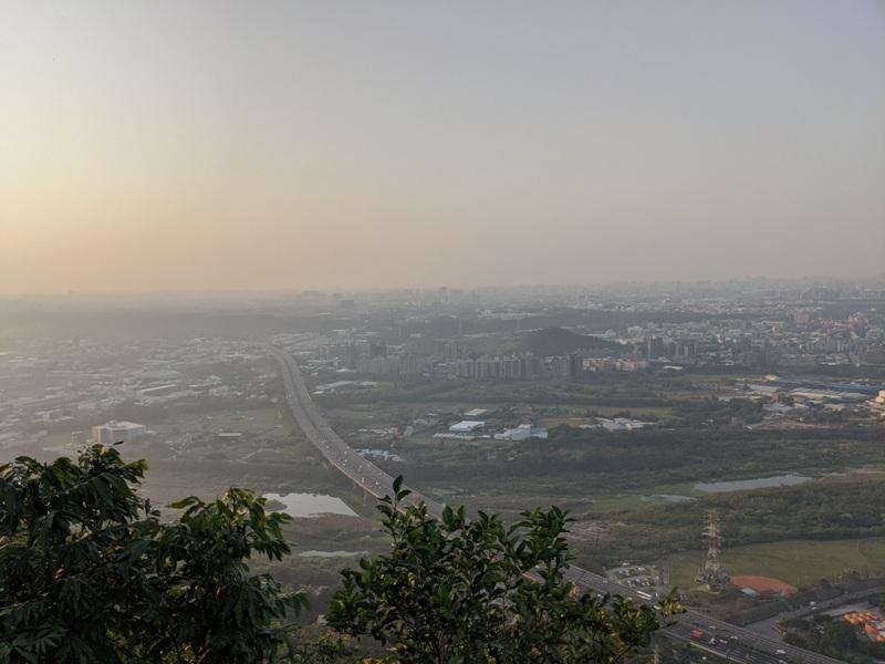 yuanmountain16 三峽-鳶山 登高望遠 擁抱最寬闊的二高景致