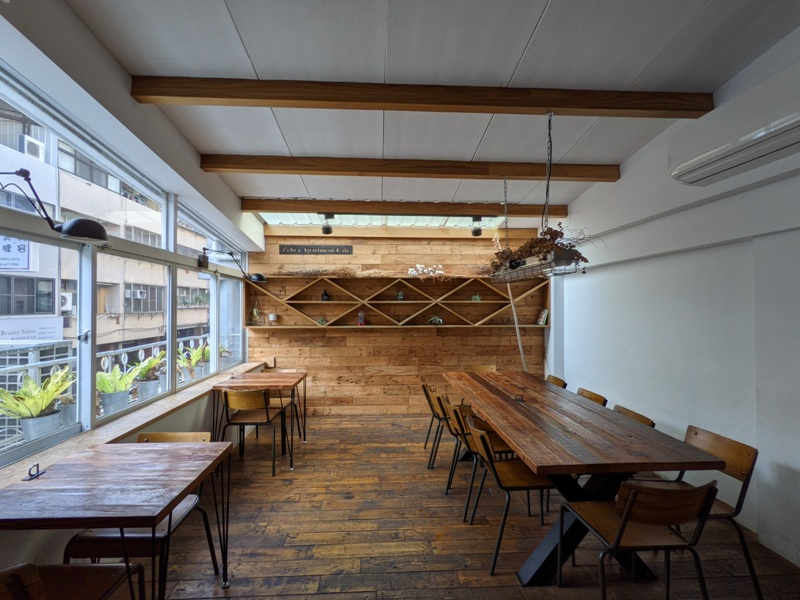 zebraapartment15 台中西區-斑馬公寓咖啡 木頭植栽玻璃屋