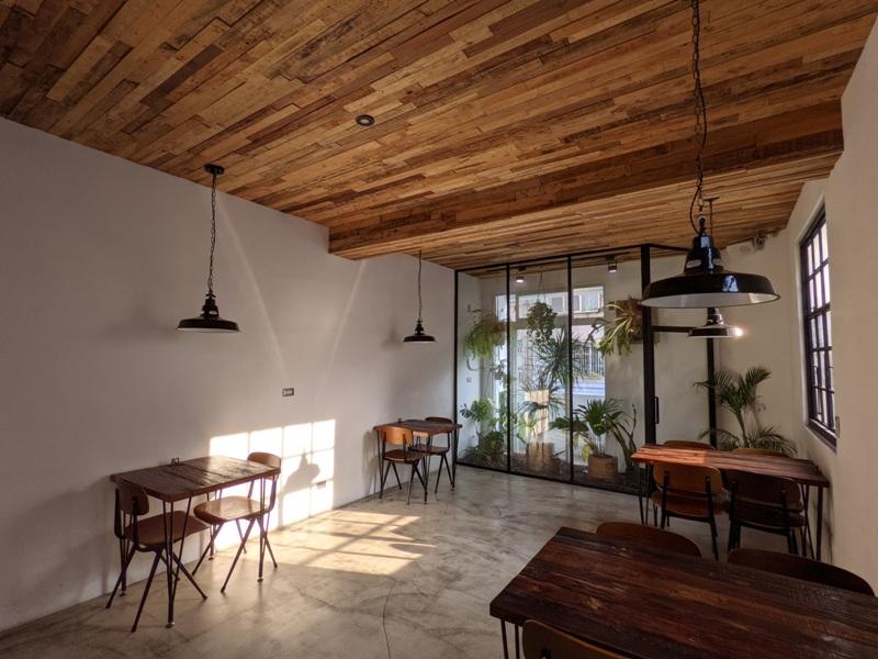 zebraapartment16 台中西區-斑馬公寓咖啡 木頭植栽玻璃屋