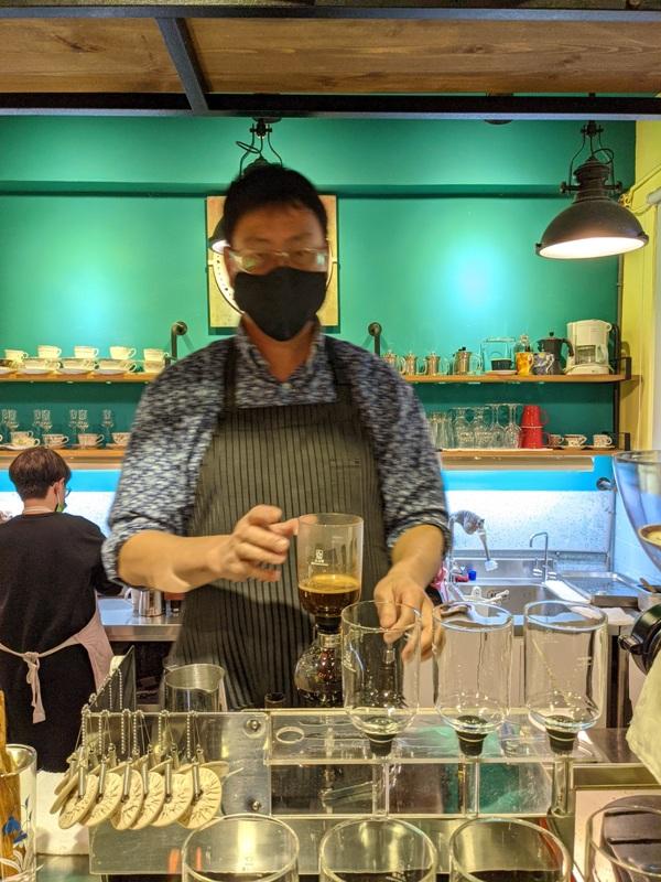shalom17 基隆信義-夏隆 靜巷中的一杯咖啡 感受微雨的優閒