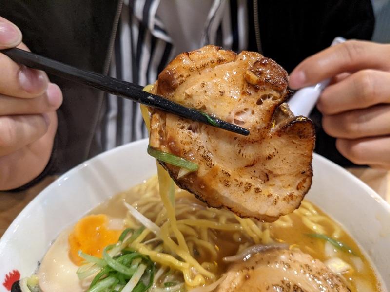 totto09 萬華-鳥人拉麵 西門店 雞白湯清爽 大塊軟嫩雞肉+香嫩叉燒