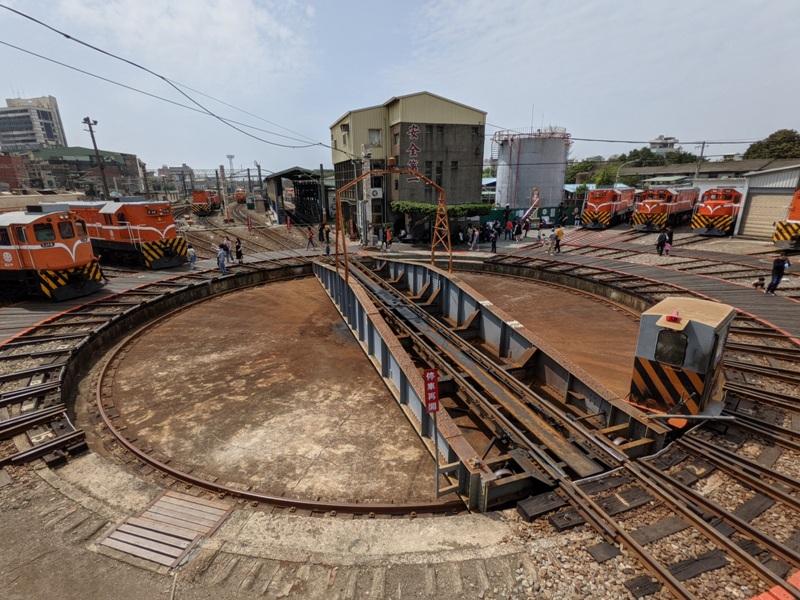 trainhouse06 彰化-扇形車庫 與火車頭的近距離接觸