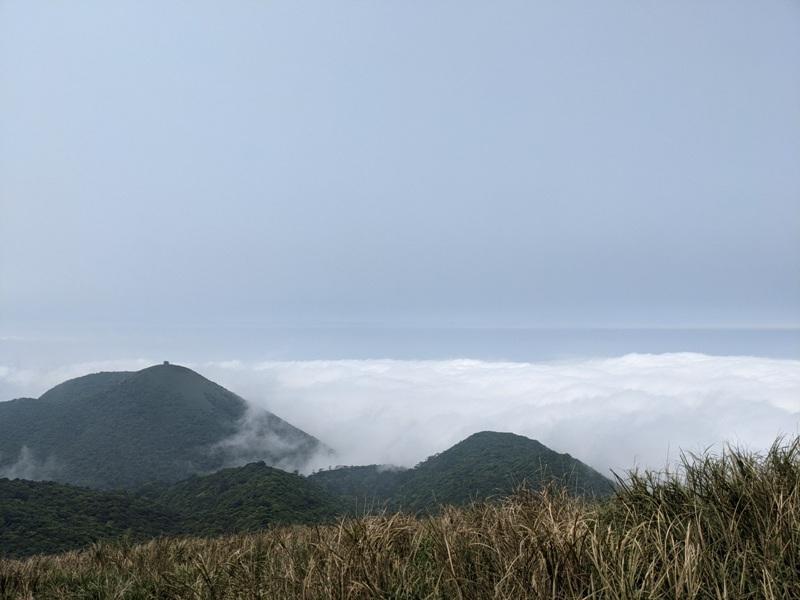 datung30 陽明山-大屯山 芒草箭竹 捕捉美麗的雲海