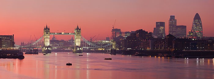 London_Thames_Sunset_panorama_-_Feb_2008 London-Tower Bridge倫敦塔橋 優雅英倫風